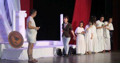 """Студентски театър """"Пирон"""" спечели статуетка от международен фестивал"""