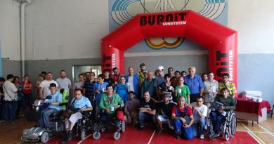 Двадесет и двама участници се включиха в турнира по тенис на маса за хора с увреждания